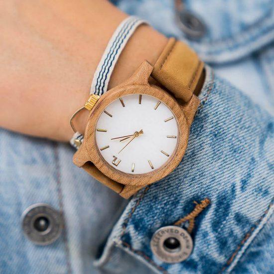 Dámske drevené hodinky Classic - Škoricovo biele