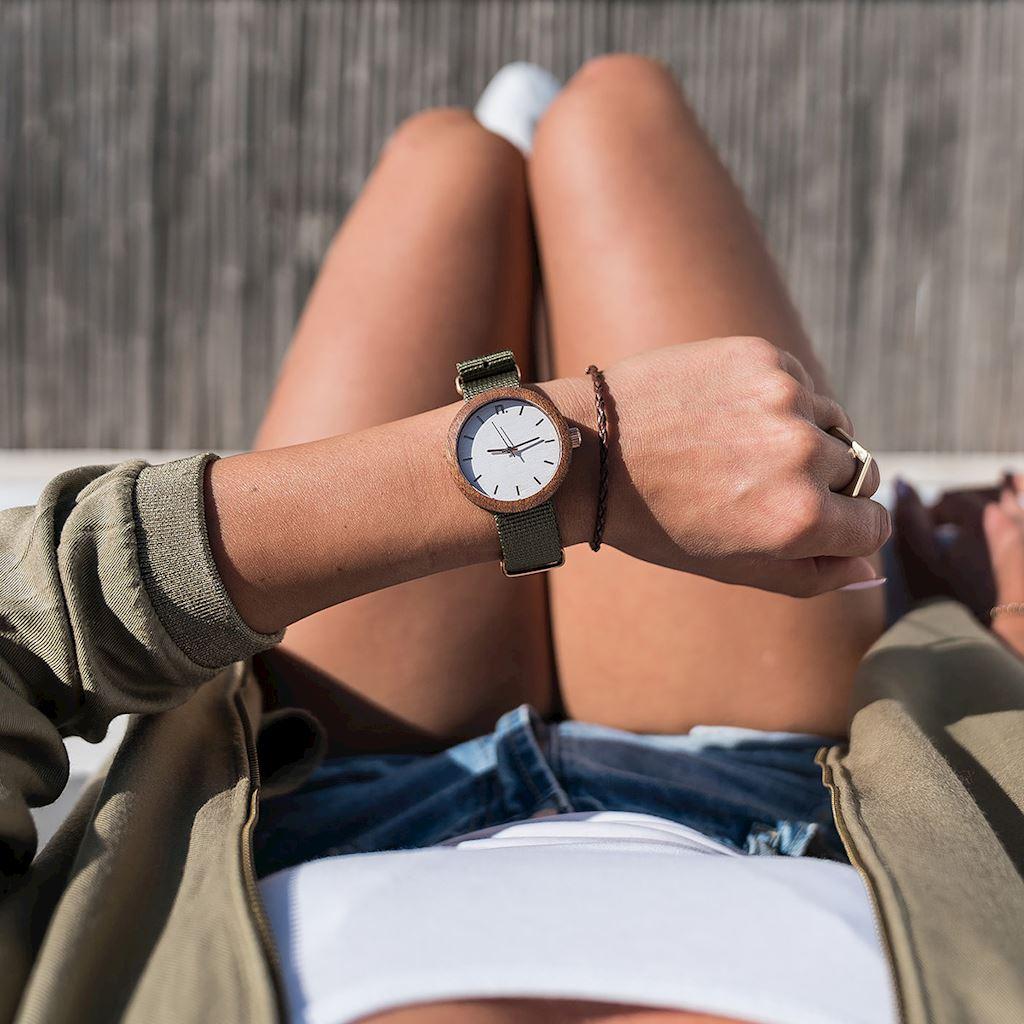 Dámske drevené hodinky New hoop - Bielo zelené