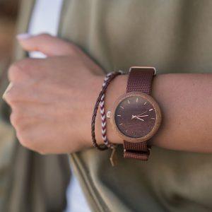Dámske drevené hodinky New hoop - Tmavo hnedé