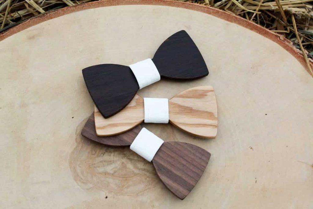 Pánsky drevený motýlik a traky  - Biely