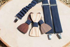 Pánsky drevený motýlik a traky - Modrý so vzorom