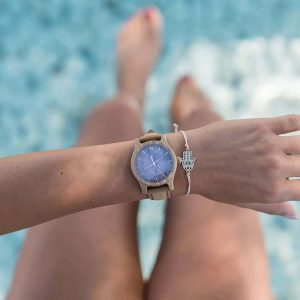 Dámske drevené hodinky Classic - Škoricovo fialové